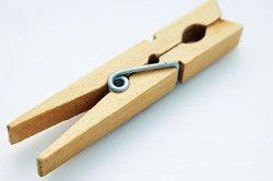 Pince a en bois